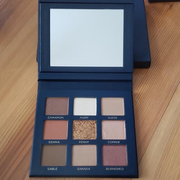 Beautycounter Velvet eye shadow palette